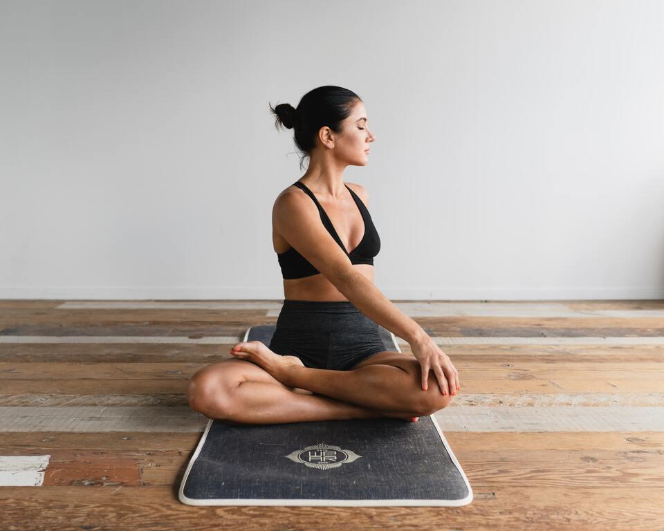 aider-la-lombagie-en-pratiquant-le-yoga